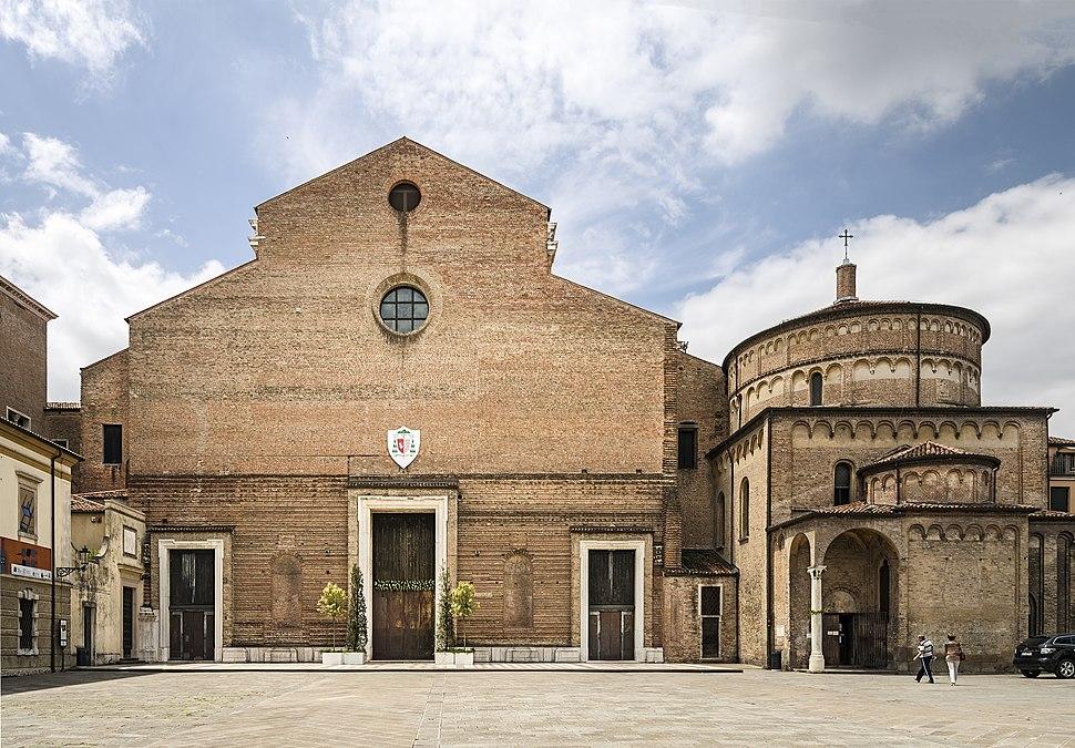 Duomo (Padua) - Facade