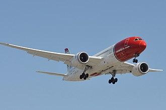 Norwegian Air Shuttle - A Norwegian Boeing 787-8 shortly before landing at Los Angeles International Airport