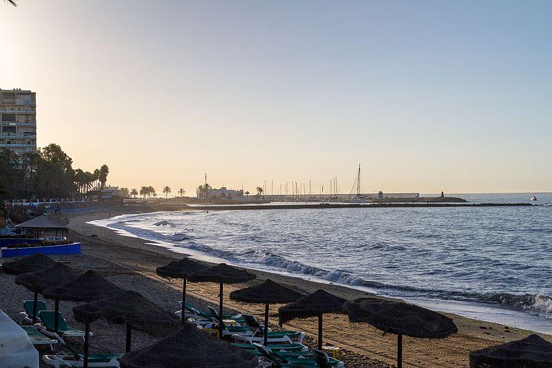 Early morning at a beach in Marbella, Spain (29535666316).jpg