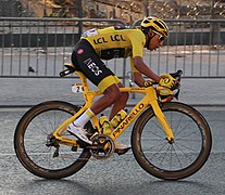 Egan Bernal Arrivée 21e étape Tour France 2019 Paris 1.jpg