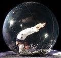 Elena contortionist en bulle.jpg
