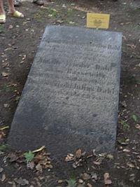 Eliasfriedhof dd dahl.JPG