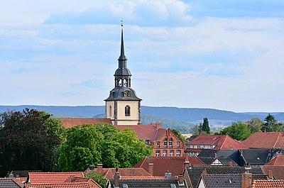 Elze Stadtansicht mit Peter und Paul Kirche.jpg
