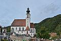 Engelhartszell Pfarrkirche Friedhof.jpg