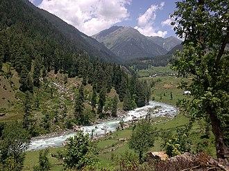 Aru, Jammu and Kashmir - Image: Entrance to Aru Village