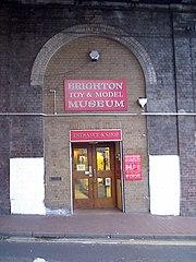 Город Брайтон (Brighton), Музей игрушек и моделей (Toy and Model Museum).