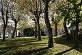 Espace vert, place Salvador-Allende, Châlus.jpg