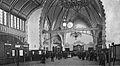 Essen Hauptbahnhof, Empfangshalle innen um 1905.jpg