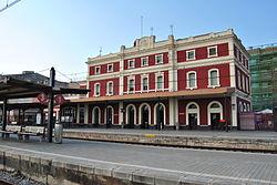 Estació de tren de Badalona.JPG