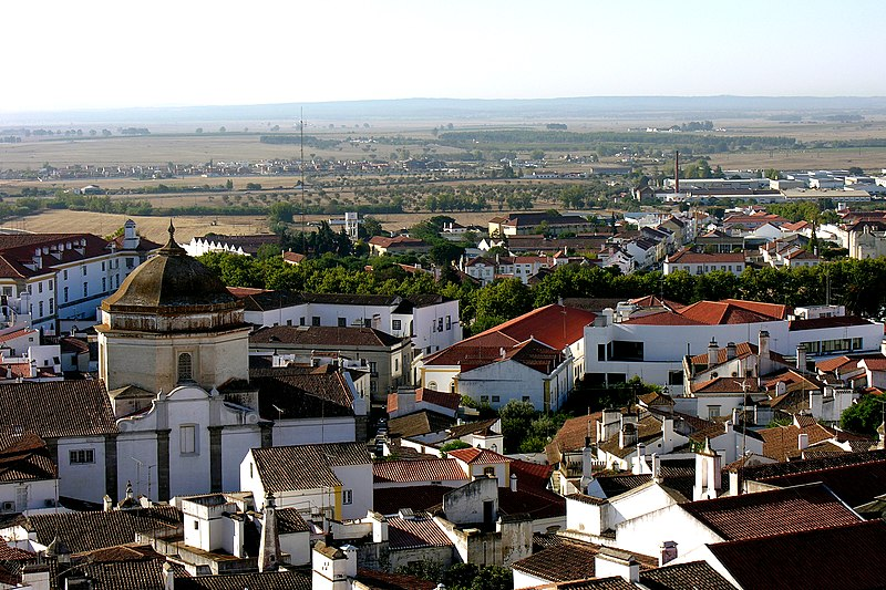 Image:Evora, Alentejo, Portugal from the cathedral roof, 28 September 2005.jpg