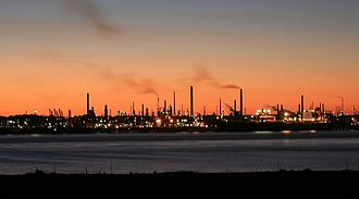 Fawley Refinery - Image: Fawley Oil Refinery