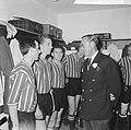 Feyenoord tegen Real Madrid 2-1, Moulijn, Haak en Weering voorgesteld aan prins , Bestanddeelnr 918-1553.jpg
