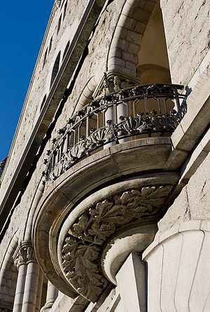National Romantic style - Image: Finnish National Theatre Detail
