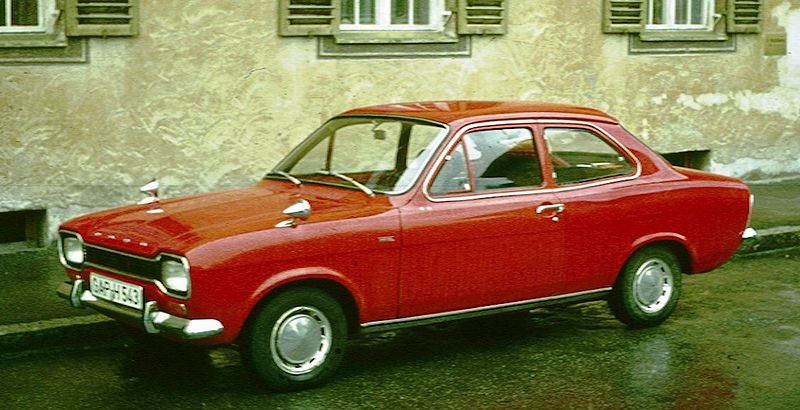 Tiedosto:Ford Escort I in rainy Garmisch.jpg