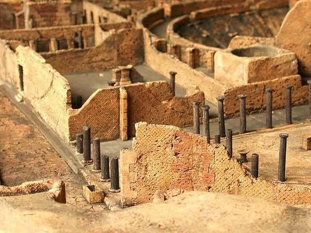 Bout de maquette de Pompéi au musée archéologique. Photo de Dieter Cöllen
