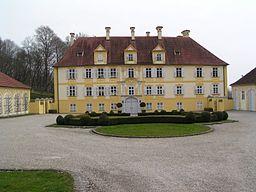 Dieses Bild zeigt die Vorderseite des Schlosses.
