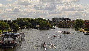 Transport in Reading, Berkshire - River Thames from Caversham Bridge