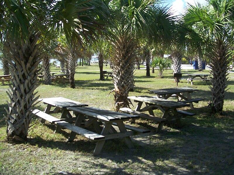 File:Ft Pierce FL Fort Pierce Inlet SP rocks02.jpg