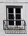 Götzendorf Schloss - Innenhof 8b Fenster.jpg
