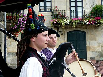 Galicians - Image: Galician pipers