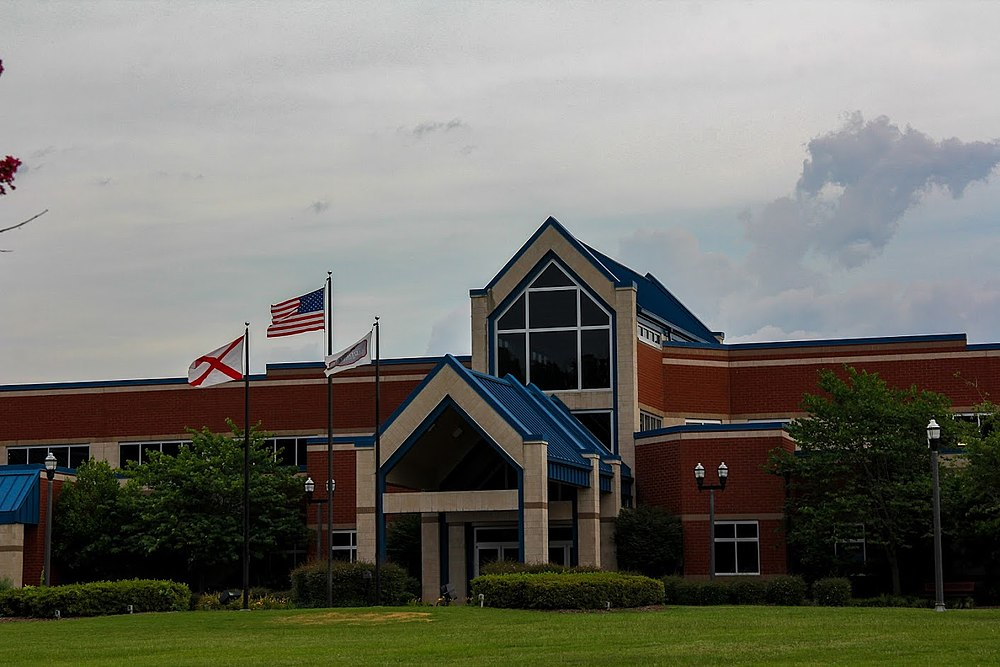 The population density of Gardendale in Alabama is 231.31 people per square kilometer (599 / sq mi)