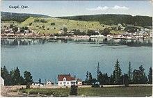 Carte postale représentant la ville de Gaspé