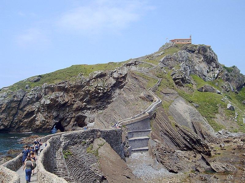 Escalera a Gaztelugatxe