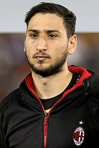 Gianluigi Donnarumma (31895135436) (cropped).jpg