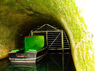 Basingstoke Canal - Image: Greywell tunnel inside