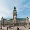 Hamburg Rathausmarkt und Rathaus.jpg