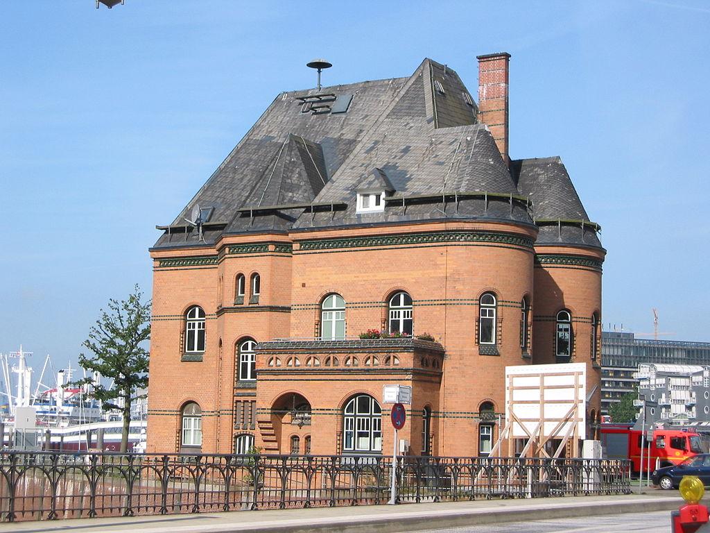 file hamburg speicherstadt hafenpolizeiwache no 2 side jpg wikimedia commons. Black Bedroom Furniture Sets. Home Design Ideas
