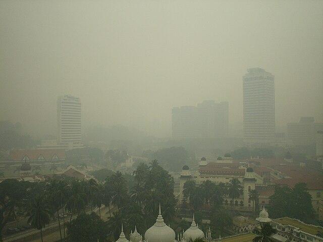 Smog - znečistenie vzduchu v mestách - hmla, prach, plyny