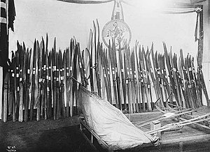 Hjalmar Welhaven - Welhaven's ski collection in 1909