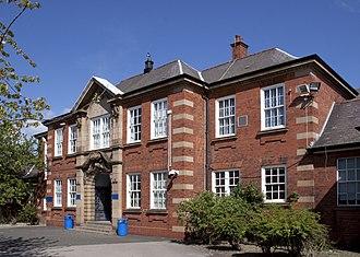 Holly Lodge High School - Image: Holly Lodge High School, Smethwick, West Midlands, England 11May 2009