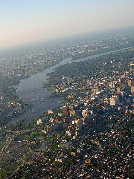 File:Hot Air Balloon ride Ottawa II.jpg