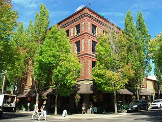 McMinnville, Oregon - Hotel Oregon in the Downtown Historic District