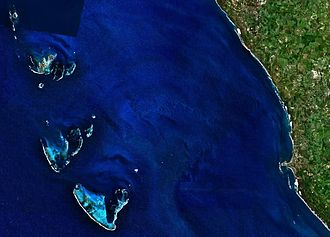 North Island (Houtman Abrolhos) - Image: Houtman Abrolhos and adjacent coast