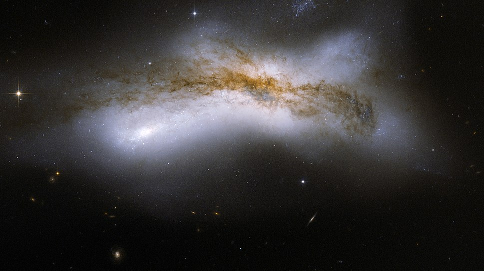 Hubble Interacting Galaxy NGC 520 (2008-04-24)