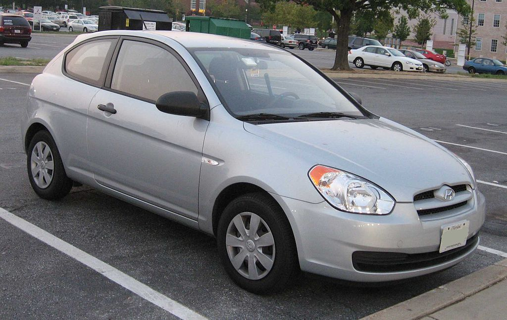 file hyundai accent hatchback front wikipedia. Black Bedroom Furniture Sets. Home Design Ideas