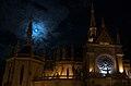 Iglesia de los Capuchinos con la Luna y Júpiter 2008-07-17.jpg