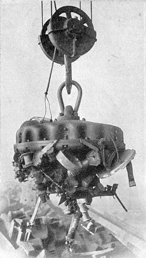Electromagnet - Industrial electromagnet lifting scrap iron, 1914