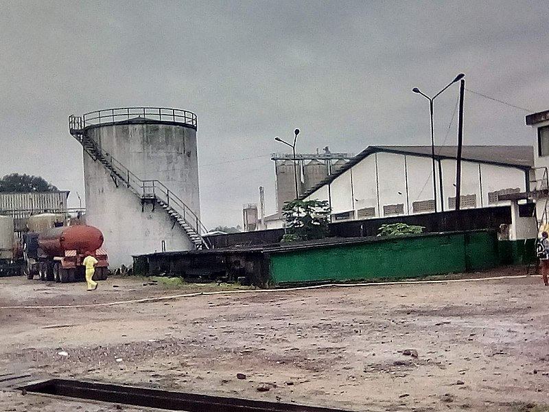 File:Industries au Cameroun - 2.jpg