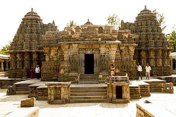 Inside view of Somnathpur Temple.jpg