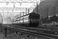 JNR Kiha 58 express train Sanyo Main Line Suma ward, Kobe.jpg