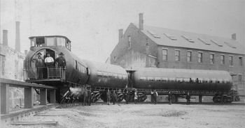 Joe Meigs' test train posed with its crew for the photographer circa 1886.png