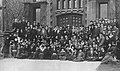 Junior Class group photo, Cap and Gown 1915 University of Chicago yearbook (page 111 crop).jpg