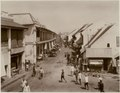 KITLV - 28765 - Kurkdjian, Ohannes - Soerabaja - Chinese district in Surabaya - circa 1900.tif