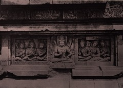 KITLV 155206 - Kassian Céphas - Reliefs on the terrace of the Shiva temple of Prambanan near Yogyakarta - 1889-1890.tif