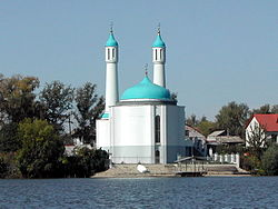 Kazan Shamil mosque Kaban lake.jpg