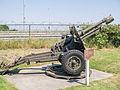 Kazemattenmuseum Kornwerderzand - 25 ponder kanon.jpg